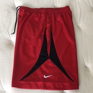 Men Nike Basketball shorts size L